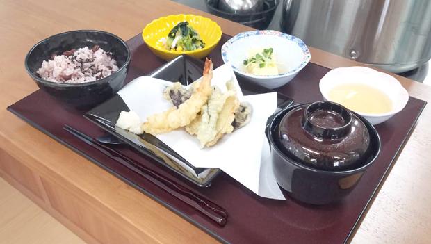 リハビリプラザ桜ヶ丘お食事2