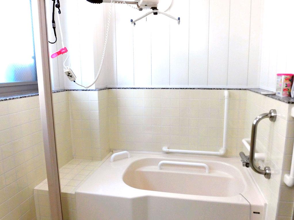 浴室(リフト浴)